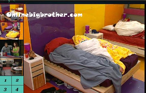 BB13-C2-7-22-2011-9_21_30.jpg | by onlinebigbrother.com