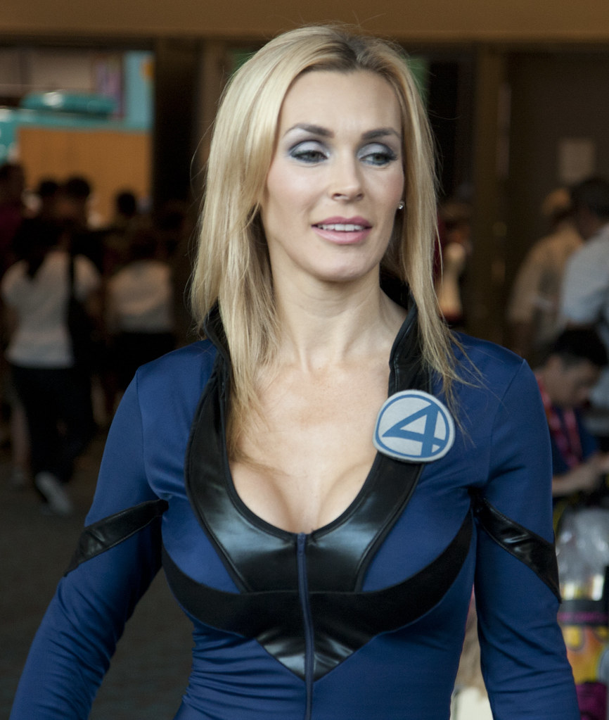 Invisible Woman Sexy