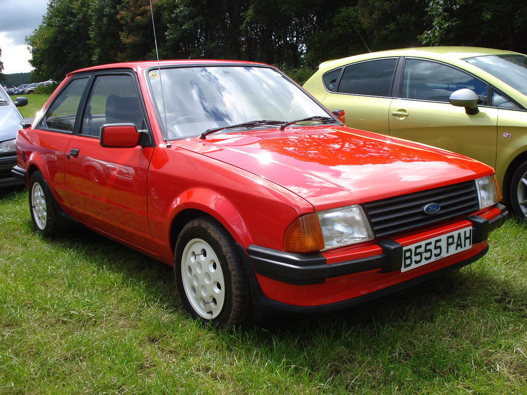 1984 ford escort xr3i with rare xr3i wheel trims flickr. Black Bedroom Furniture Sets. Home Design Ideas