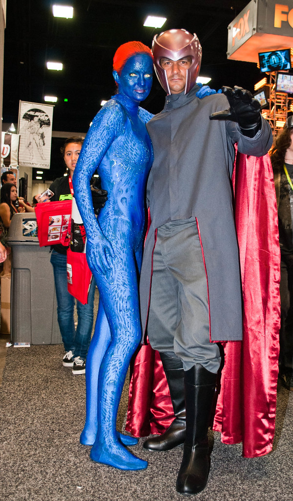 Mystique and magneto shot at san diego comic con 2011 for Www dreamhome com