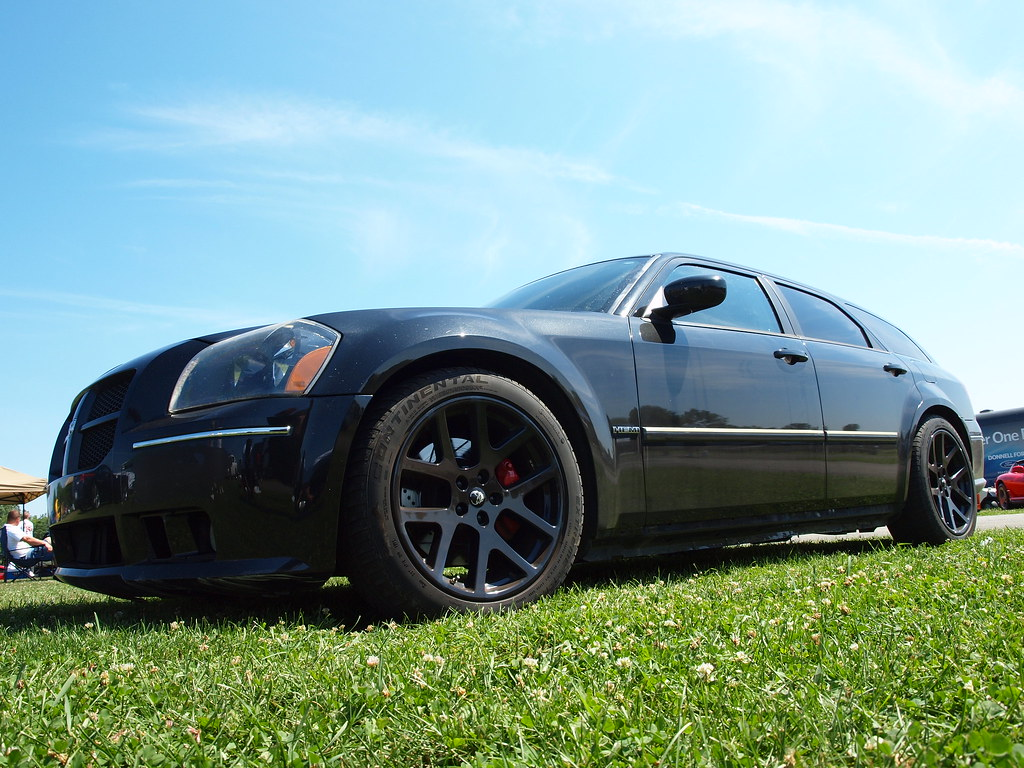 Dodge Magnum With Srt10 Viper Wheels Scott597 Flickr