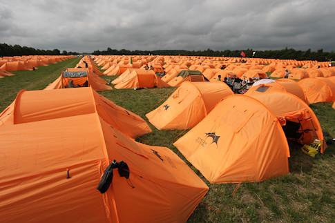 ... personanongrata get a tent | by personanongrata & get a tent | personanongrata | Flickr