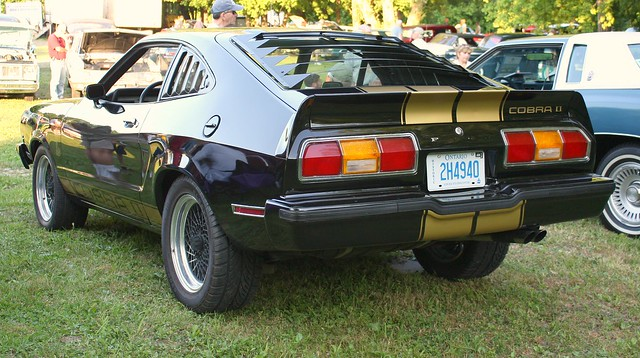 1977 mustang 2 fastback