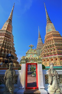 Guardians at the Gate of the Royal Chedis | Wat Po | Bangkok | by I Prahin | www.southeastasia-images.com