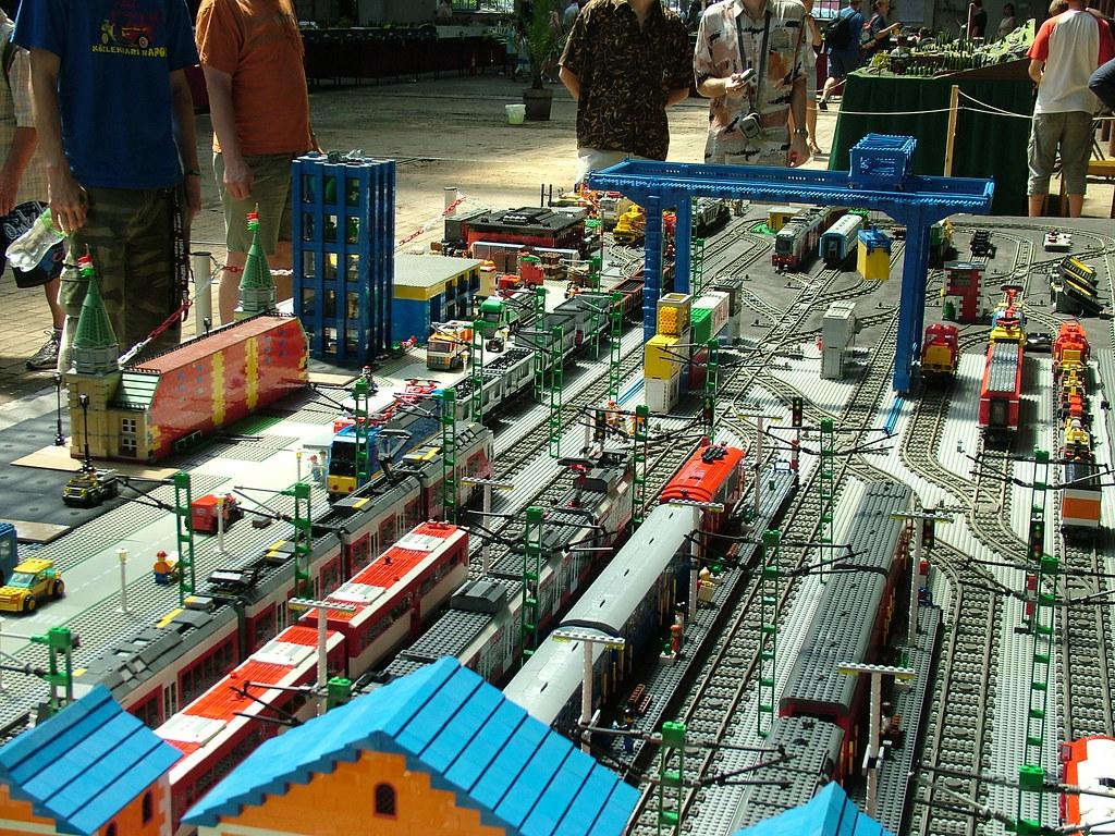 View of HunLTC's layout, Lego | granada_turnier | Flickr