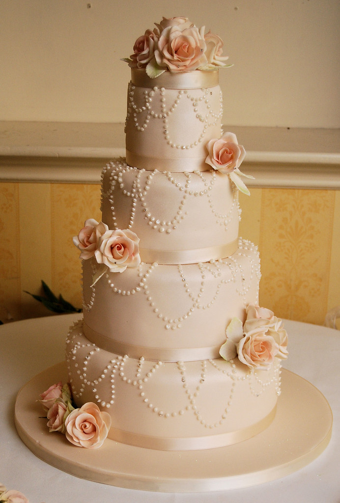 kerry | another vintage rose cake, this was in blush pink