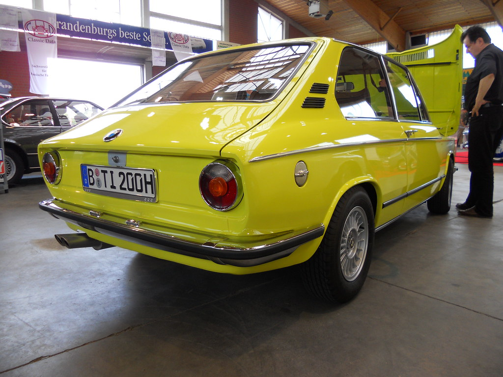 bmw 2000 tii touring bmw 2000 tii touring production. Black Bedroom Furniture Sets. Home Design Ideas