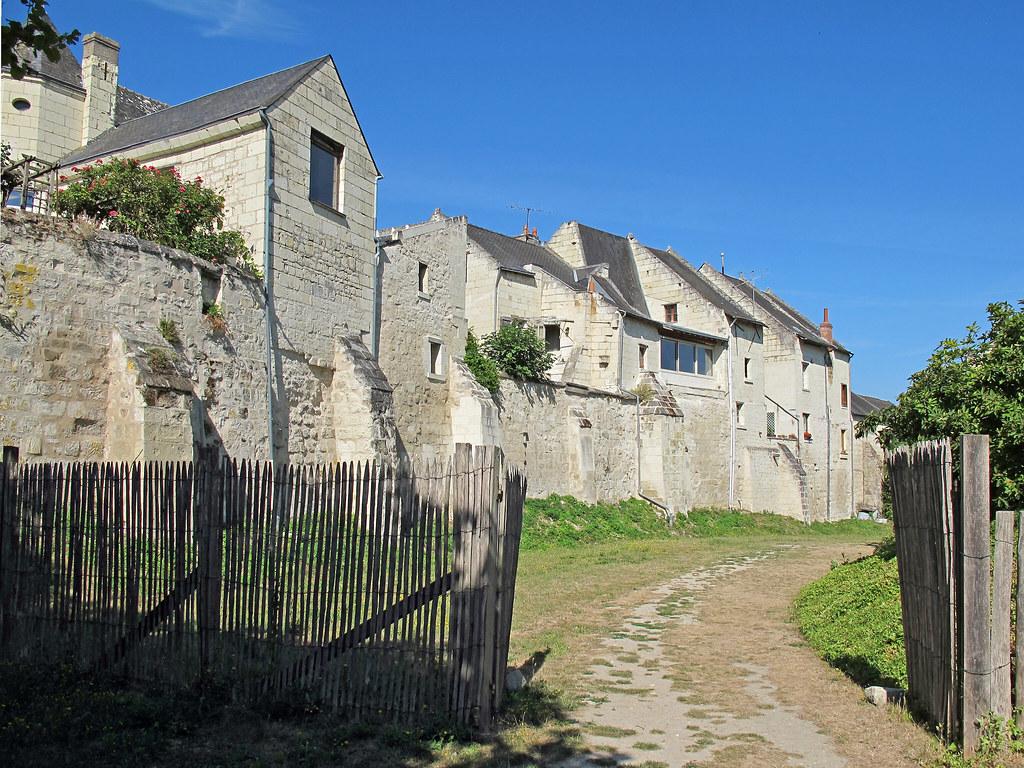 Montsoreau maine et loire le village de montsoreau for Architecte maine et loire
