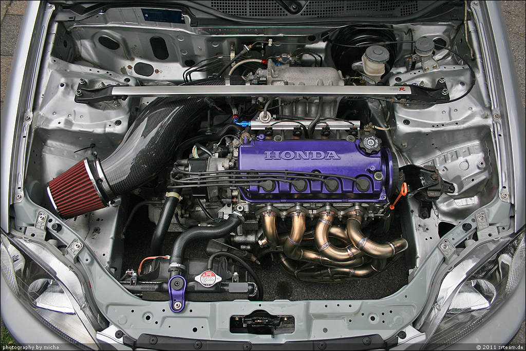How To Safely Install A New Car Battery