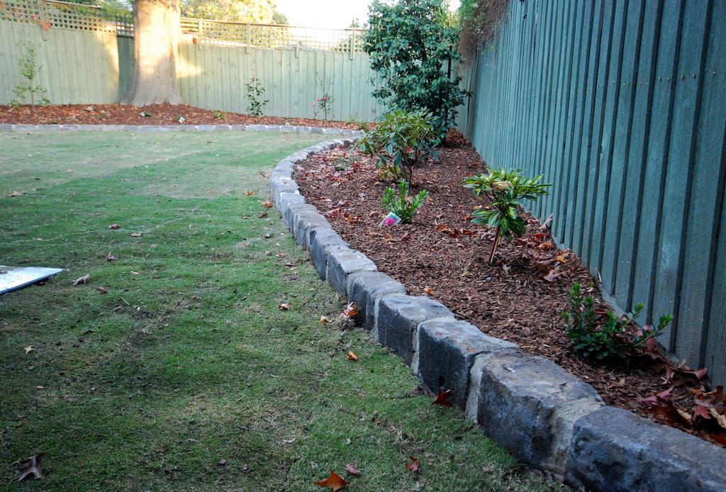 Bluestone edging | Supreme Green Landscaping | Supreme ...