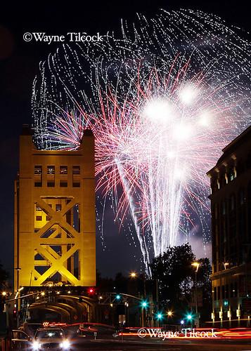 sacramento 4th of july fireworks at tower bridge july