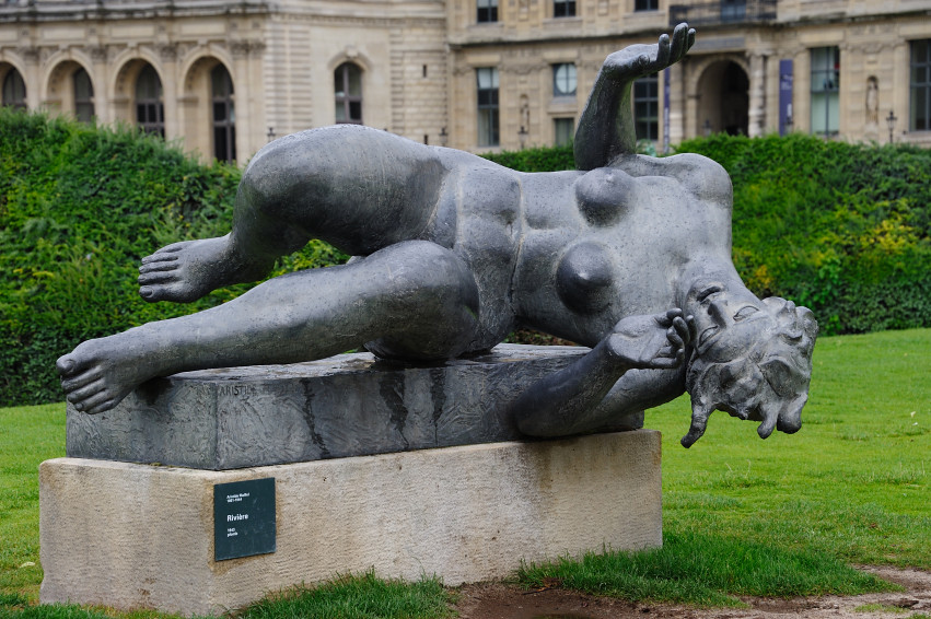 sculpture de femme par maillol jardin des tuileries flickr. Black Bedroom Furniture Sets. Home Design Ideas