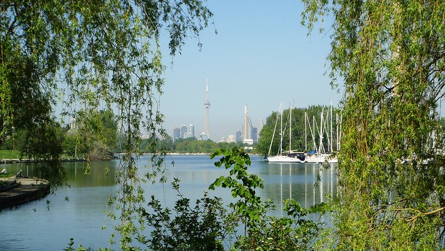 8_Best_Parks_For_Picnic _in_Toronto_4