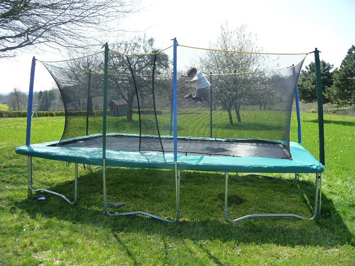 trampoline rectangle grand trampoline de jardin de forme r flickr. Black Bedroom Furniture Sets. Home Design Ideas