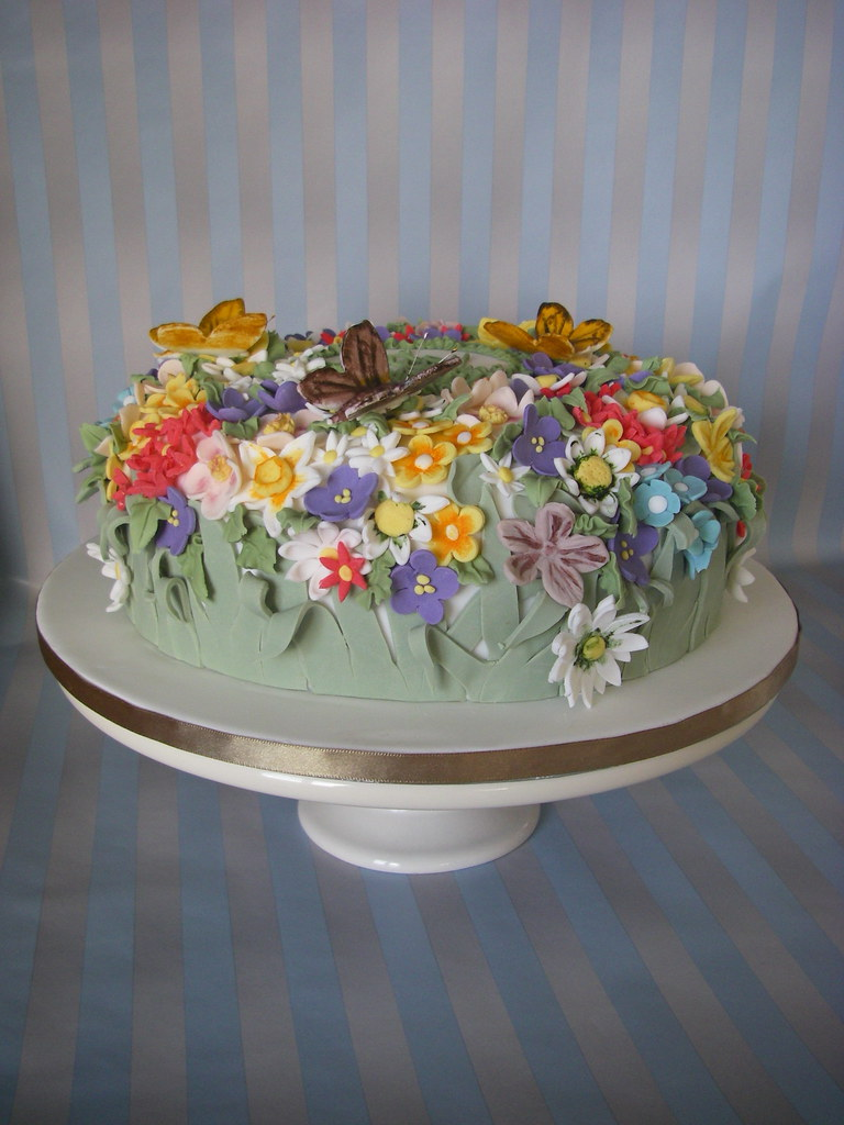 Wild Flower Cake I Made This Cake For An 80th Birthday I Flickr