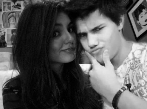 Taylor Lautner and Vic... Taylor Lautner