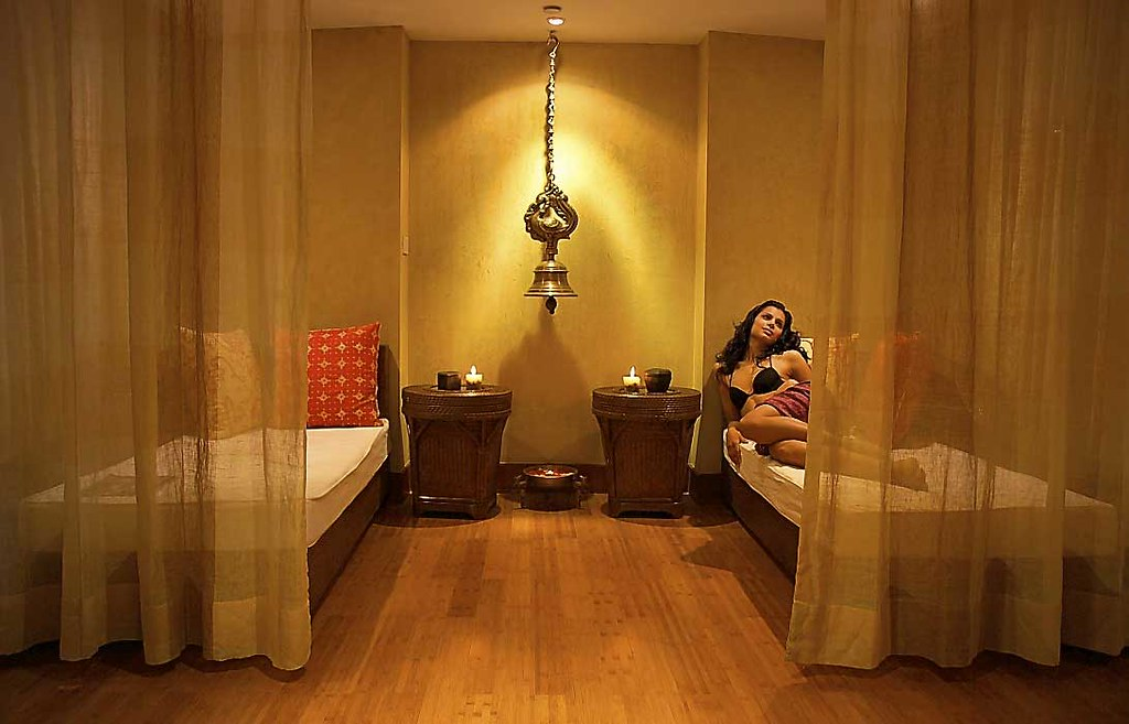 aura spa relaxation area the park chennai spoil