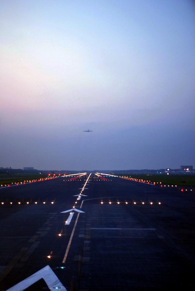 Tokyo Narita Airport Runway Ɲ�京成田空港 Shunsuke Kuwayama