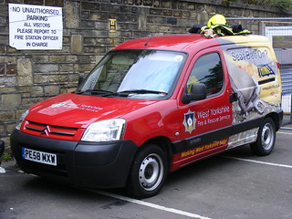 (1177) West Yorkshire Fire And Rescue Service - Citroen Berlingo - PE58 MXW | by Call the Cops 999