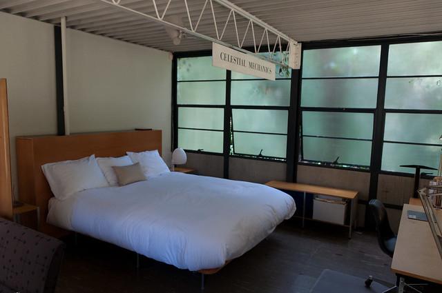 eames case study house studio bedroom flickr photo. Black Bedroom Furniture Sets. Home Design Ideas