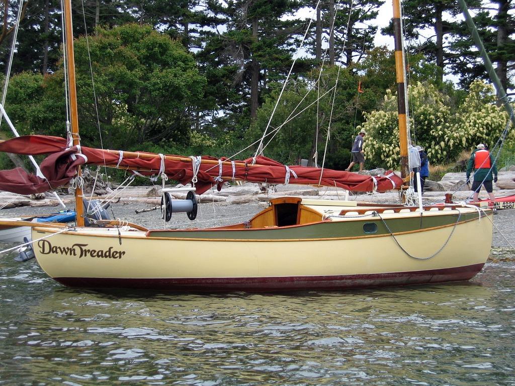 Img 1934 john bigalow 39 s william garden eel dawn for William garden boat designs