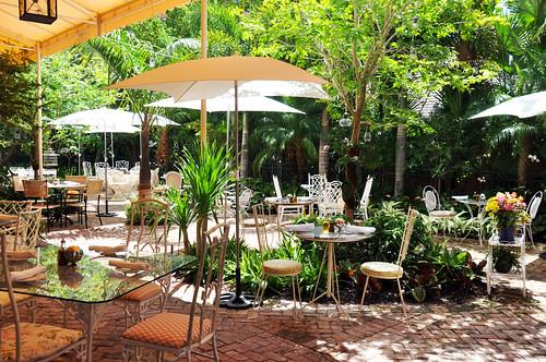 Peacock Garden Caf 233 Dining Al Fresco Peacock Garden Caf 233
