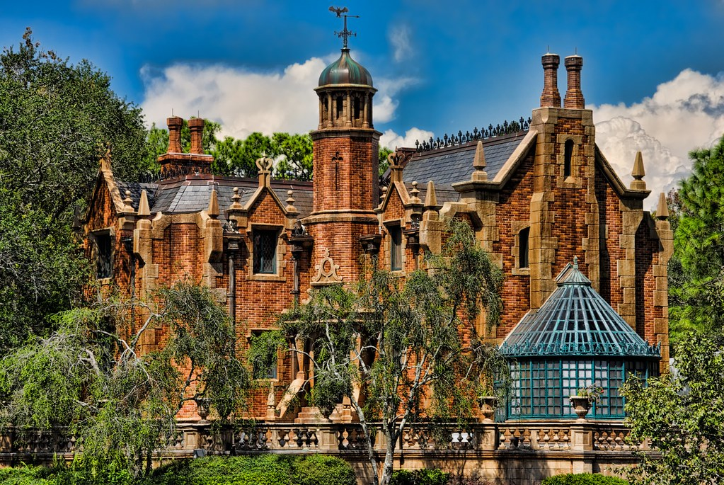 The Magic Kingdom's Haunted Mansion | The Haunted Mansion is ...