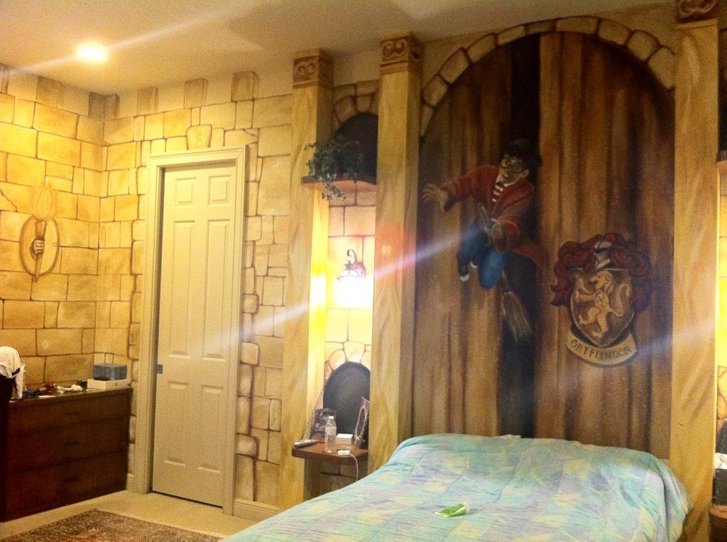 harry potter themed bedroom my friend s harry potter themed room kitiaramarie 15531