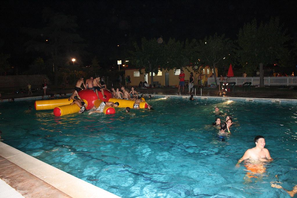 nits a la piscina espai jove el galliner flickr