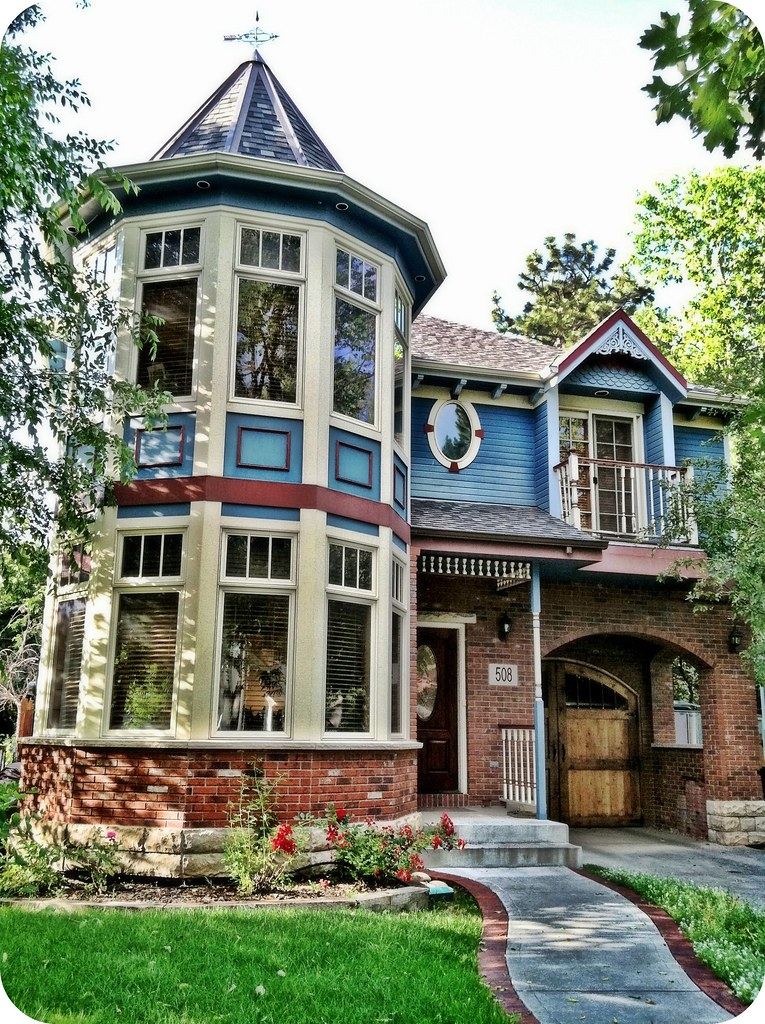 Queen anne victorian house fort collins co really like for Queen anne victorian house