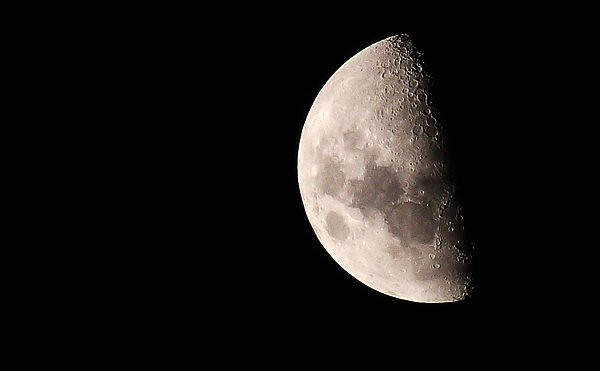 Luna, cuarto menguante | Alfredo Gajardo | Flickr