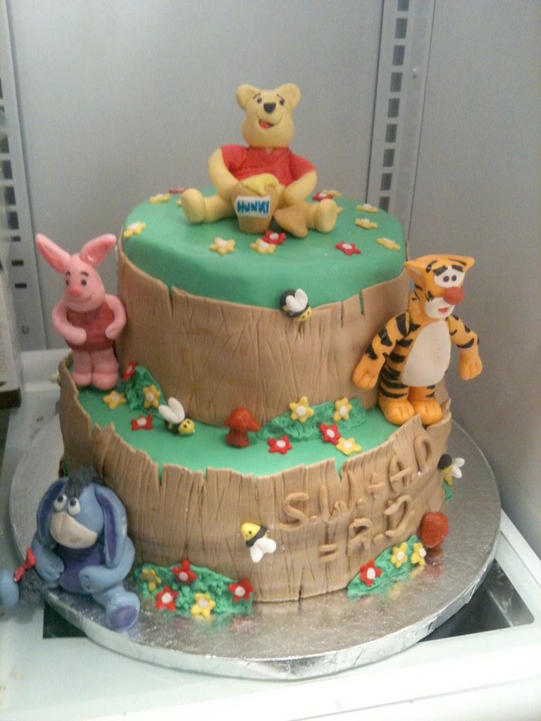 Winnie The Pooh Baby Shower Cake | BlueRett Cakes | Flickr