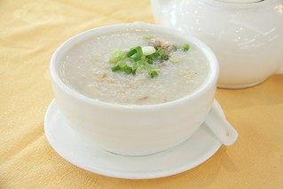 Seafood congee | by Geoff Peters 604