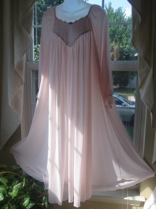 Miss Elaine Pink Antron Nylon Lace Embroidered Nightgown F…   Flickr