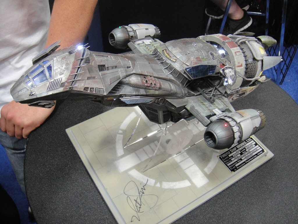 San Diego Comic-Con 2011 - Firefly Serenity light-up scale ...