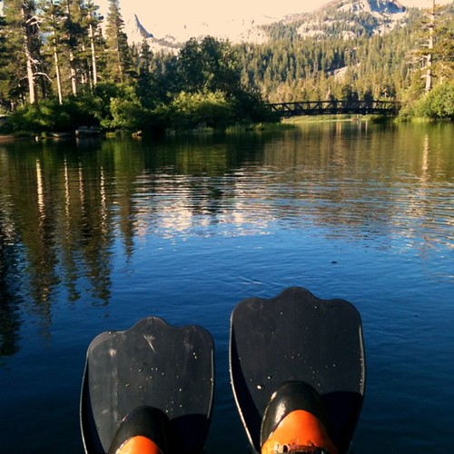 Fly fishing via float tube on twin lakes in mammoth lakes for Fly fishing float tube