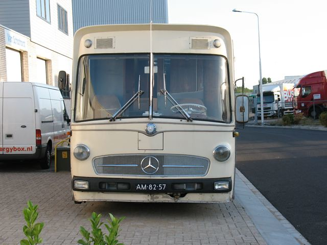 1971 mercedes benz o 317 mobile home o stands for the for Mobile mercedes benz