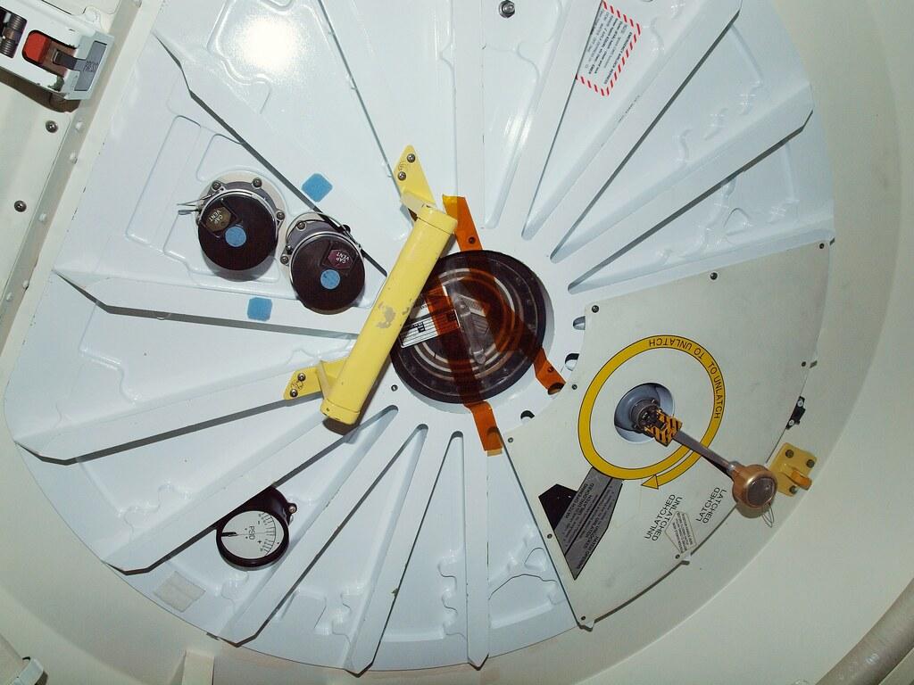 space shuttle b. hatch - photo #15