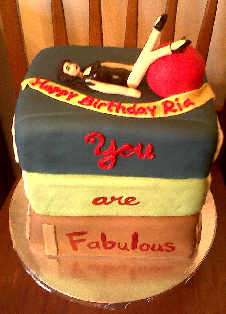 Phenomenal Pin Up Girl Cake My Clients Design Brief Was A Pin Up The Flickr Funny Birthday Cards Online Sheoxdamsfinfo