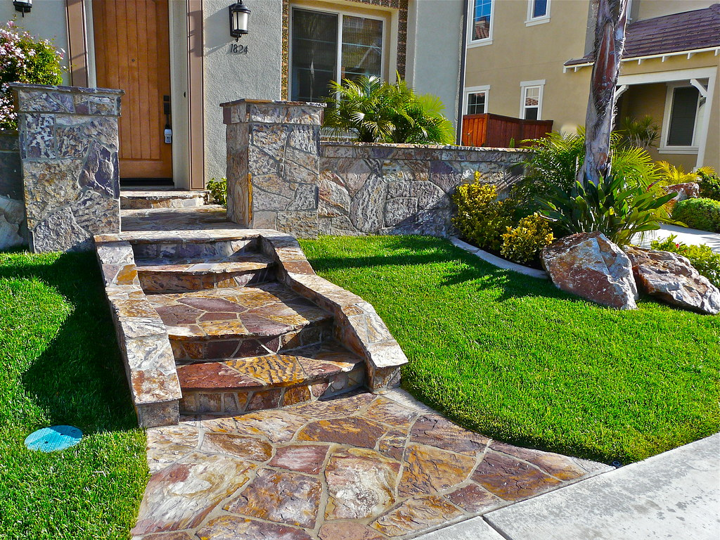 3 Rivers Natural Stone Entryway | California SmartScape