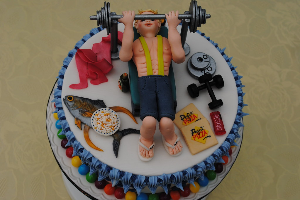 Bodybuilder In The Gym Cake By Junikraftcakes