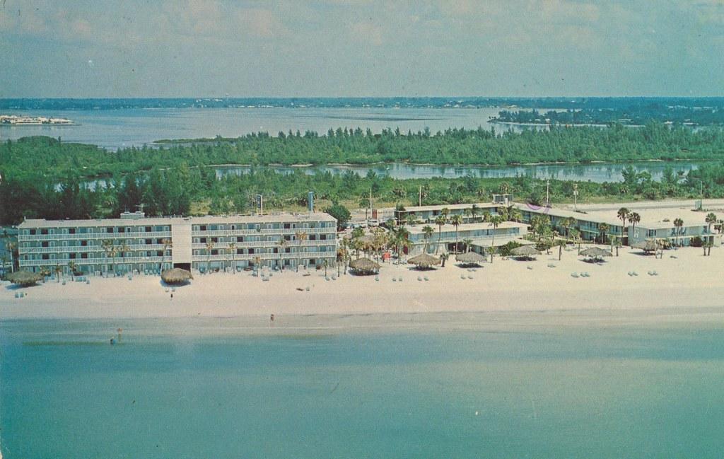 Sheraton Sandcastle Motor Inn - Sarasota, Florida