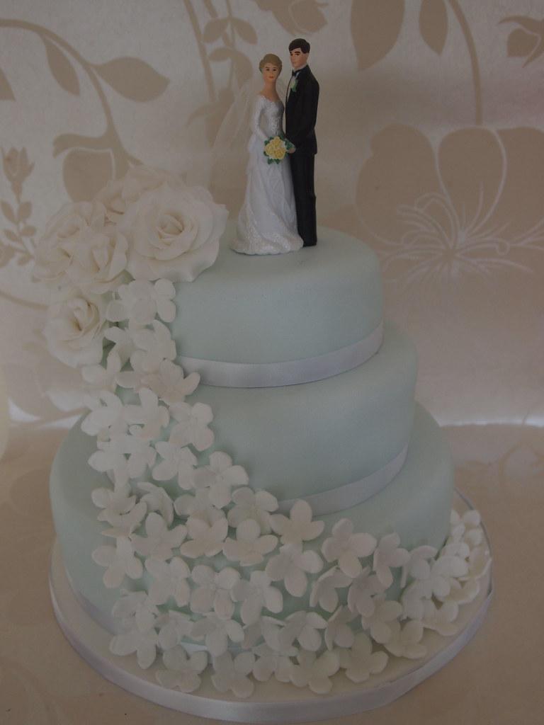 Powder Blue And White Flower Wedding Cake Pauline Clifford Flickr