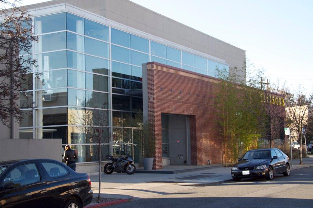 Ideo headquarters at 100 forest avenue palo alto carlos for Ideo palo alto