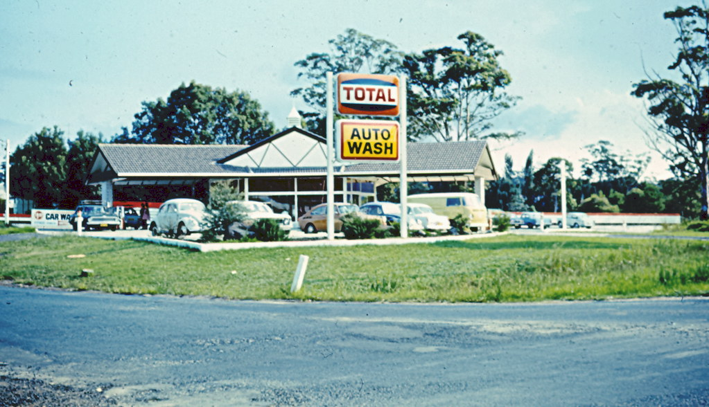 total service station auto wash wyoming nsw circa 1980s flickr. Black Bedroom Furniture Sets. Home Design Ideas