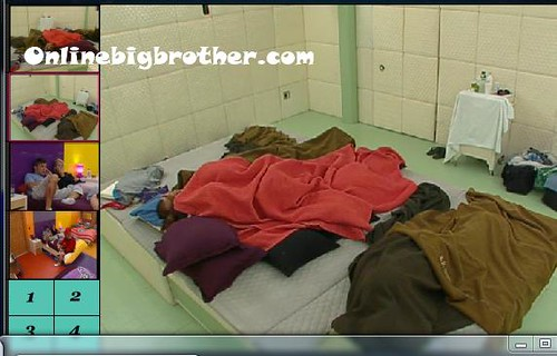 BB13-C1-8-2-2011-3_05_20.jpg | by onlinebigbrother.com