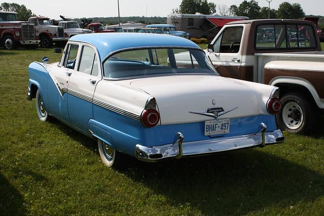 1956 ford fairlane 4 door flickr photo sharing for 1955 ford fairlane 4 door