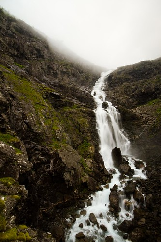 Trollstigen Foss | by Universal Stopping Point