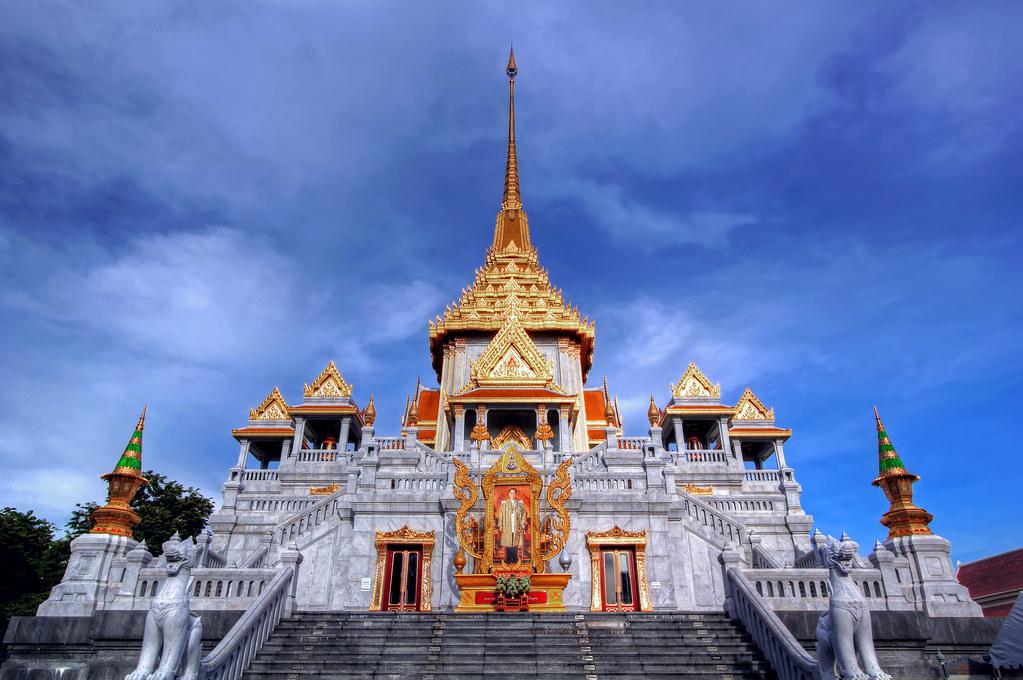 Phra Maha Mondop / Wat Traimit (Golden Buddha Temple) / Ba…  Flickr