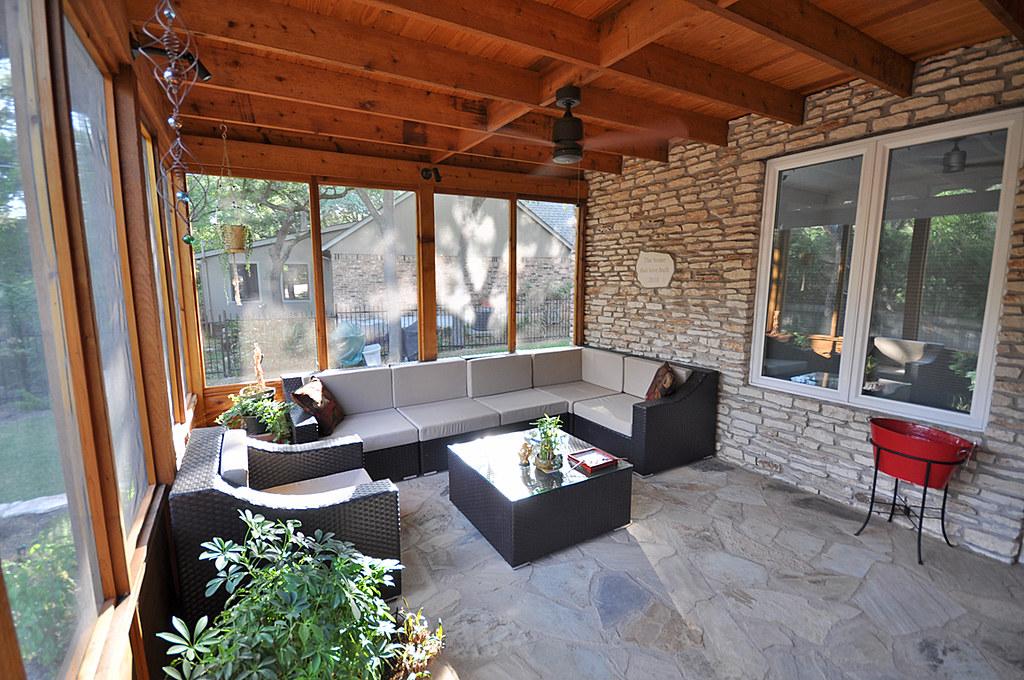 Screened porch the new screened in porch off the kitchen a flickr - Decorar un porche cerrado ...